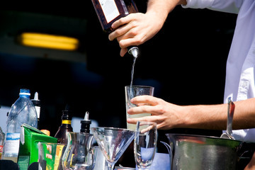 Why Bartending Schools Don't Work