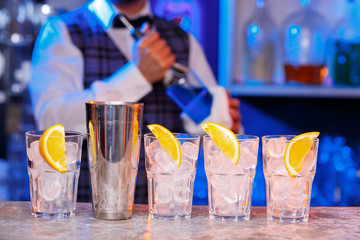 Bartending Schools: The Real Truth From TheRealBarman