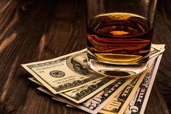 how much do bartenders make